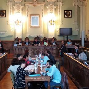 Ciudadanos consigue en el Pleno que se estudie la creación de un mercado navideño en la Plaza Mayor