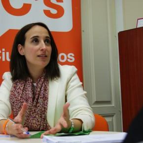"""Pilar Vicente (Cs): """"El equipo de Gobierno de Puente está declarando la guerra al coche privado y condenando a muerte al Comercio del centro"""""""