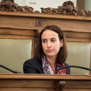"""Pilar Vicente (Cs): """"Es inadmisible que el equipo de Puente quiera cobrar 15€/hora por aparcar en el centro los días de restricción de tráfico"""""""