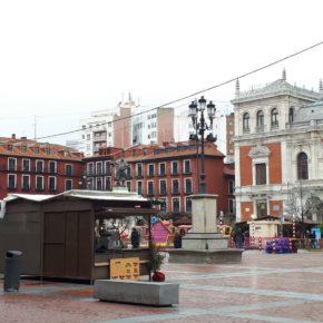 """Ciudadanos critica al equipo de Puente por el """"nulo interés"""" que han puesto en el mercado navideño de la Plaza Mayor"""
