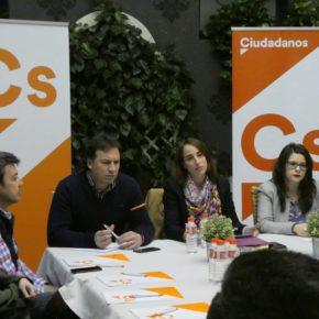 Ciudadanos defiende en Medina del Campo menos impuestos y menos burocracia para dinamizar a los autónomos y empresas