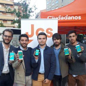 Jóvenes Cs de Castilla y León preguntan en Valladolid la opinión de los jóvenes sobre el futuro de Europa