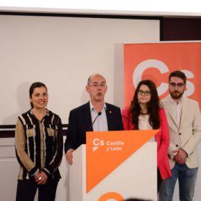 """Fernández Antolín promete """"absoluta lealtad"""" a los vecinos de Valladolid y """"cuatro años de trabajo"""""""