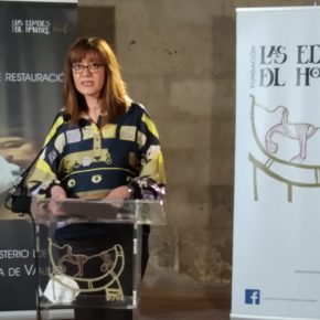 Nuria Duque recibe, como representante de la Diputación de Valladolid, las obras restauradas por la Fundación Las Edades del Hombre