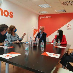 El Grupo Municipal de Valladolid recibe la visita de la Consejera de Economía, Innovación y Empleo de Zaragoza, Carmen Herrarte y el Coordinador de dicho área