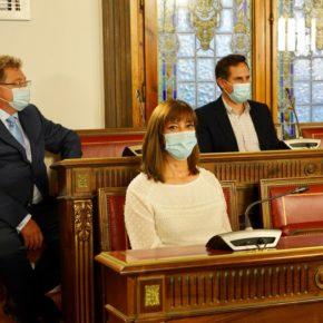Nuria Duque participa en la entrega del Premio a la Trayectoria Artística de la Diputación, que recae en el Doctor en Historia Antonio Sánchez del Barrio